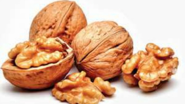 Eating-walnuts-may-help-you