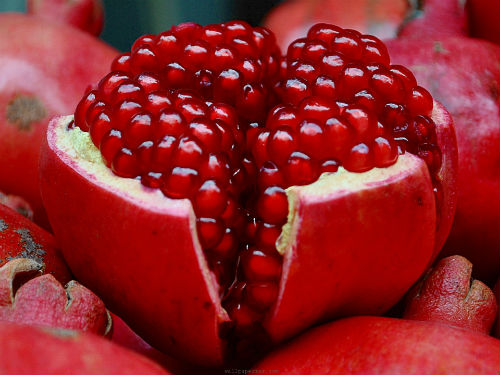 Health-Benefits-Of-Pomegranate-010436365168455